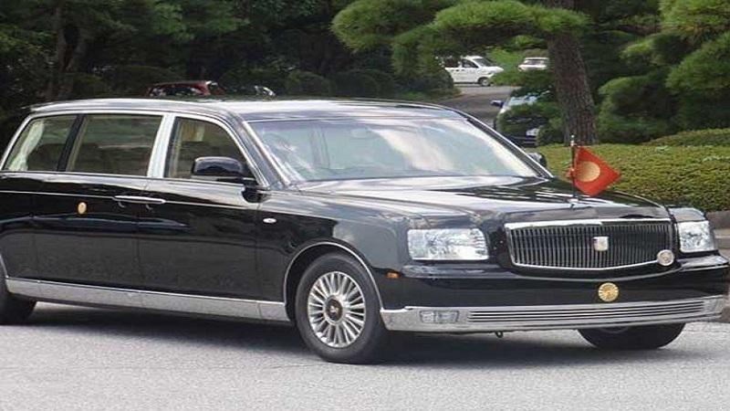 जपान - जपानच्या रॉयल परिवाराकडे 'टोयोटा सेंट्रल रॉयल' ही कार आहे.