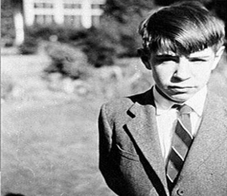8 जानेवारी 1942ला गॅलिलिओच्या मृत्यूनंतर 300 वर्षांनी जन्म