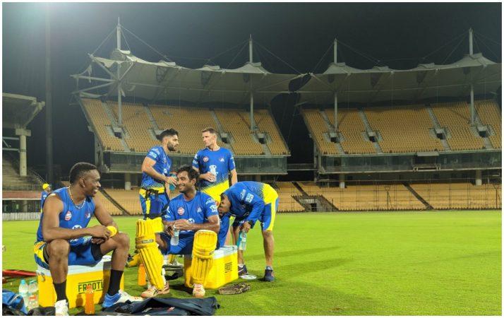दोन वर्षांच्या बंदीनंतर चेन्नई सुपर किंग्स आयपीएलमध्ये परतली आहे. आजही चाहते सुपर किंग्सचे चाहते आहे. महेंद्रसिंग धोनीची टीम सर्वाच यशस्वी टीम आहे.