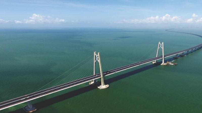 चीनने बांधला जगातला समुद्रावरचा सर्वात लांब पूल!