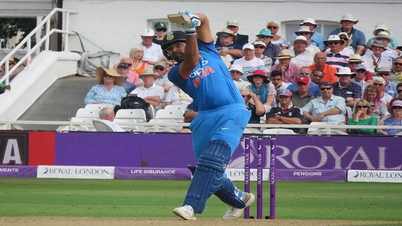 भारतीय टीमचा हिटमॅन रोहित शर्माने तीन एकदिवसीय सामन्यांच्या मालिकेतील पहिल्याच सामन्यात इंग्लंडचा धुव्वा उडवला आहे. फोटो सौजन्य - BCCI
