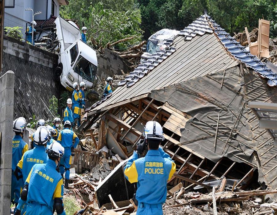 जपान सरकारने परिस्थितीचा गांभीर्याने विचार करत पंतप्रधानांच्या कार्यालयात आपातकालीन व्यवस्थापन केंद्र स्थापन केले आहे.