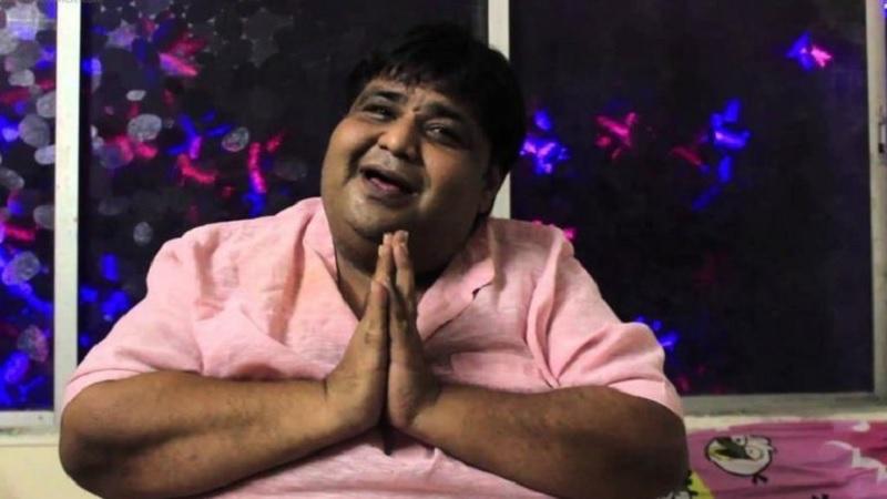 पण हाता फार नसल्यामुळे त्यांनी वजन कमी करण्यास नकार दिला. मीडियातील 'स्पॉटबॉय'नुसार, 8 वर्षांआधीच सर्जरी करण्याचा सल्ला डॉ. मुफ्ती यांनी दिला होता. पण कुमार आझाद यांनी त्याला नकार दिला.