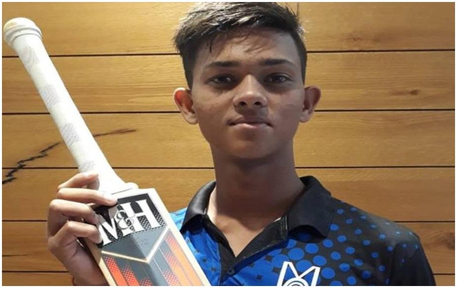 यशस्वी जयस्वालची टीम इंडियाच्या अंडर - 19 संघातून निवड झाली आहे. 19 वर्षांखालील संघ श्रीलंकेच्या दौऱ्यावर दोन-चार दिवसीय सामना खेळणार आहे. या संघात सचिनचा मुलगा अर्जुन तेंडुलकरही खेळणार आहे.