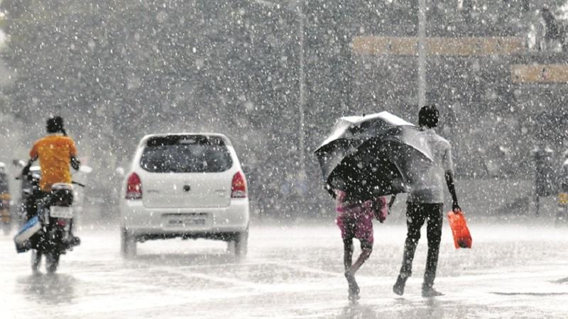 मुंबई आणि इतर जिल्ह्यातील या 10 ठिकाणी कोसळतोय मुसळधार पाऊस