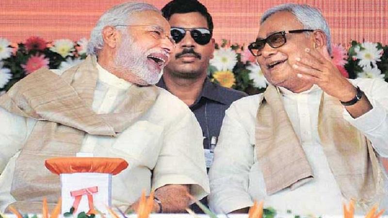 नरेंद्र मोदी - नितीश कुमार- अलीकडेच ही जोडी पुन्हा एकत्र आली. सत्तेच्या समीकरणासाठी जरी एकत्र आले असले तरी एकेकाळी दोन्ही नेते चांगले मित्र होते. या जोडीने एकत्र येऊन बिहारच्या राजकारणात सत्तेचं फळ चाखलंय.