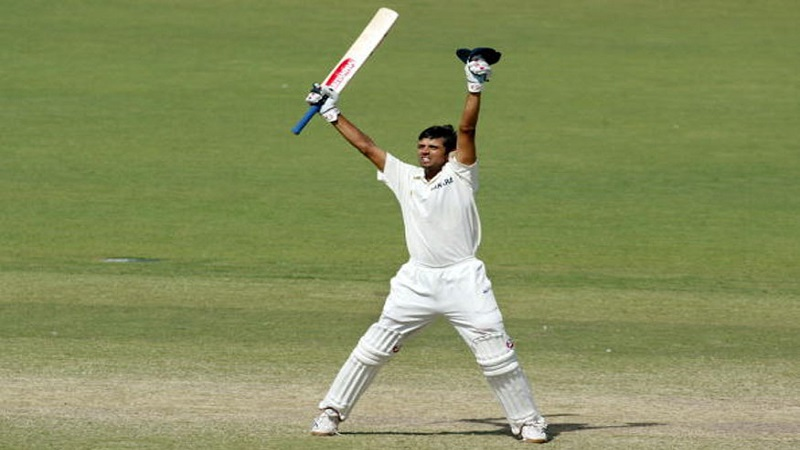 भारतीय क्रिकेटमध्ये द वॉल या नावाने प्रसिद्ध असलेला खेळाडू म्हणजे राहूल द्रविड. 2005मध्ये द्रविड कसोटी यादीत प्रथम क्रमांकाचा मानकरी ठरला होता. असं म्हंटलं जातयं की द्रविडने सर्वात जास्त काळ हे पद आपल्याकडे ठेवलं होतं.