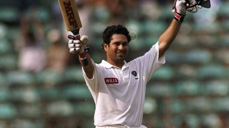 त्याने ७० कसोटी मालिकेत १२७ षटकात ५२.१६ च्या रनरेटने ६ हजार धावा केल्या. या दरम्यान त्याने १३ शतक आणि ४० अर्धशतकं ठोकली आहेत.