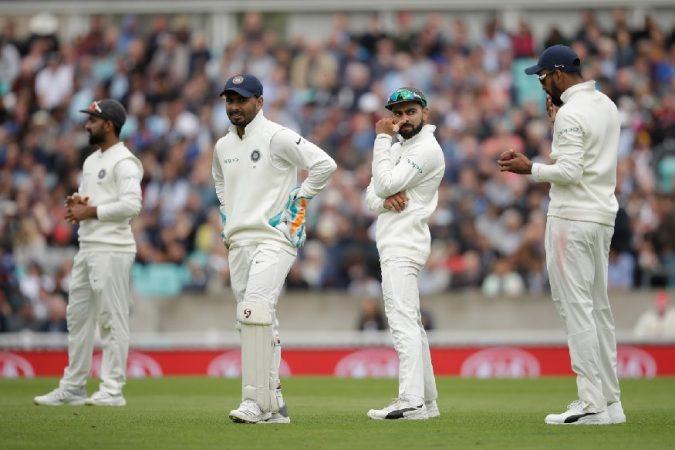 सर्वात जास्त निराशा शिखर धवनने केली. त्यामुळेच असे म्हटले जाते की, इंग्लंडविरुद्धच्या मालिकेनंतर शिखर धवनला पुन्हा कसोटी क्रिकेटमध्ये खेळण्याची संधी मिळणार नाही.