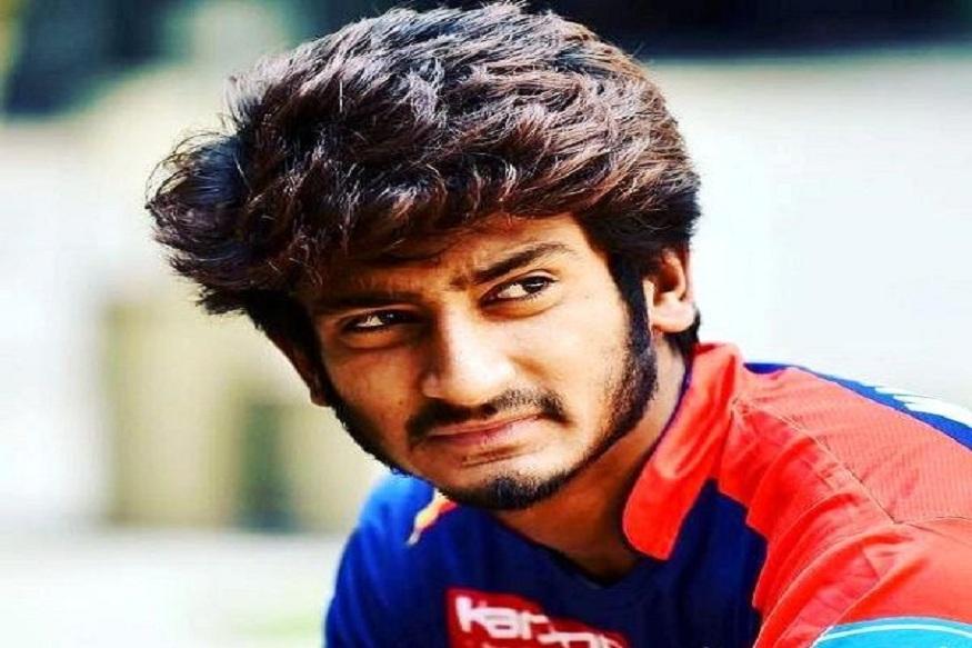 अवघ्या 20 वर्षांचा खलील या आधी 2018 च्या आयपीएलमध्ये सनराइजर्स हैदराबादकडून खेळला आहे. आयपीएल नंतर त्याने आता आशिया चषकाच्या एक दिवसीय आंतरराष्ट्रीयमध्ये डेब्यू केलाय.