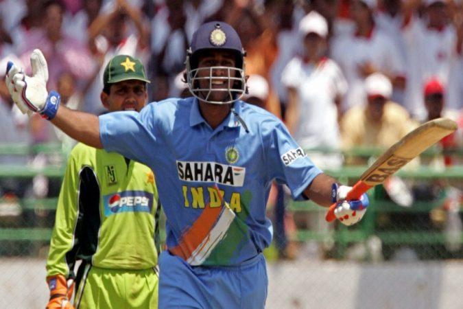 भारत- पाकिस्तानात आतापर्यंत खेळल्या गेलेल्या सामन्यांपैकी सर्वाधिक धावा करण्याचा रेकॉर्ड भारतीय संघाच्या नावावर आहे. २००५ मध्ये विशाखापट्टणम येथे झालेल्या सामन्यात भारतीय संघाने ३५६ धावा केल्या होत्या. या सामन्यात धोनीने १२३ चेंडूत १४८ धावा केल्या. भारताने हा सामनान ५८ धावांनी जिंकला होता.