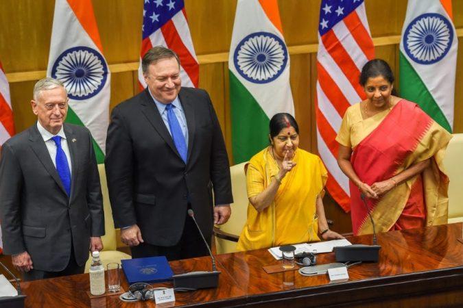 परराष्ट्र मंत्री सुषमा स्वराज आणि संरक्षण मंत्री निर्मला सितारामन यांच्याकडे देशातील महत्त्वपूर्ण खाती मोदी सरकारने दिली.