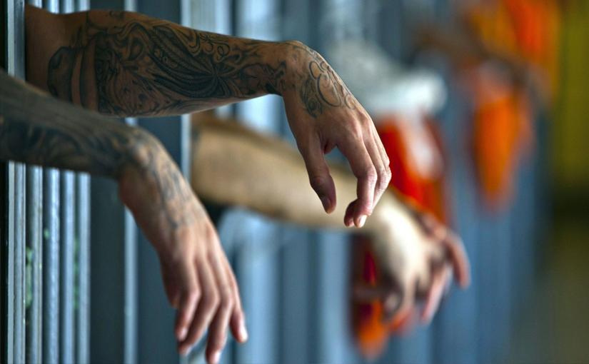 PHOTOS : जगातल्या 'या' तुरुंगात कैदी दुसऱ्या कैदीला मारून खातो!