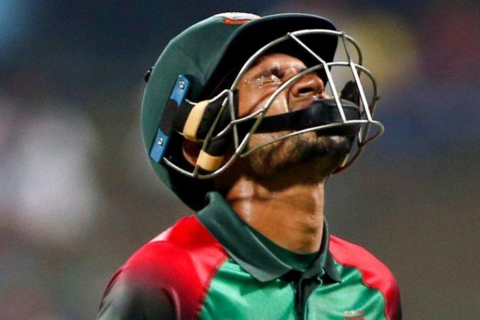 मुश्फिकुर रहीम बांग्लादेशचा पहिला खिलाडी आहे, जो एकदिवसीय, टी२० आणि कसोटी सामन्यात ९९ धावांवर बाद झाला आहे.