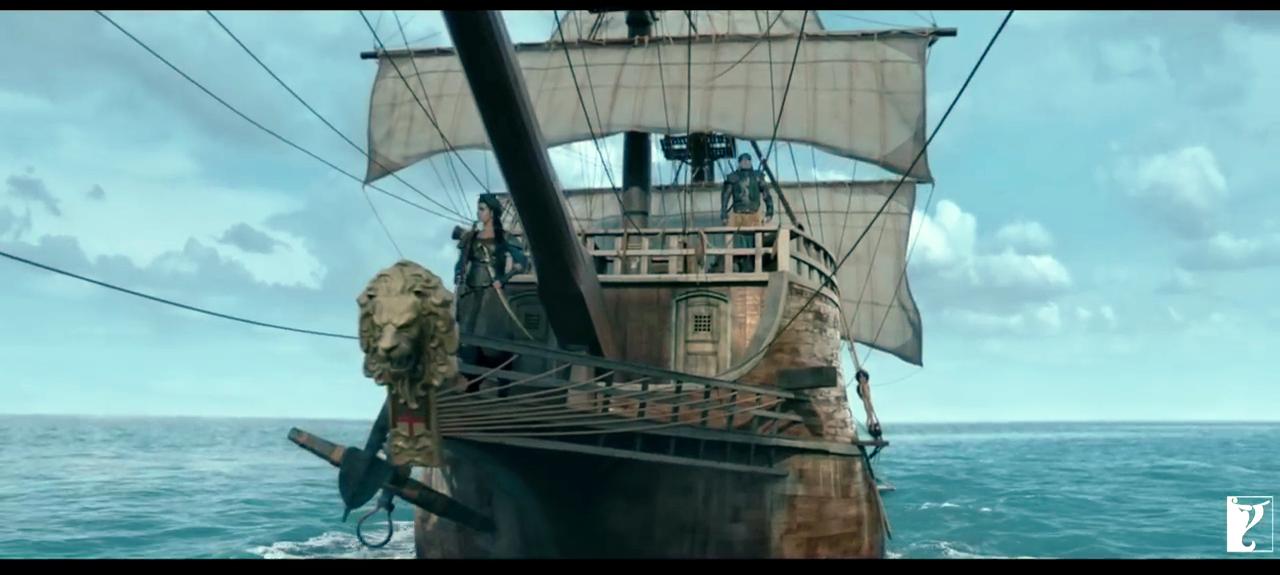 बिग बींचे जहाजावरचे अनेक स्टंट्स आहेत