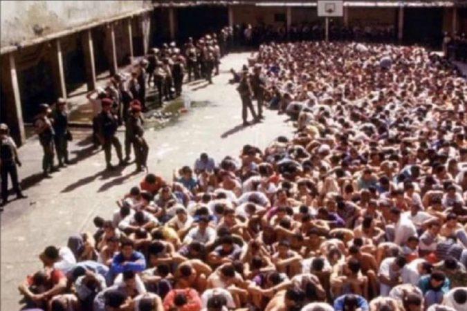 ला साबानेटा – वेनेजुएला जेलमध्ये कैदी गट करून राहतात. यामुळे दोन्ही गटांमध्ये खून केले जातात. १९९४मध्ये एक गँगवॉर झाला होता ज्यामध्ये १०० कैद्यांचा मृत्यू झाला होता.