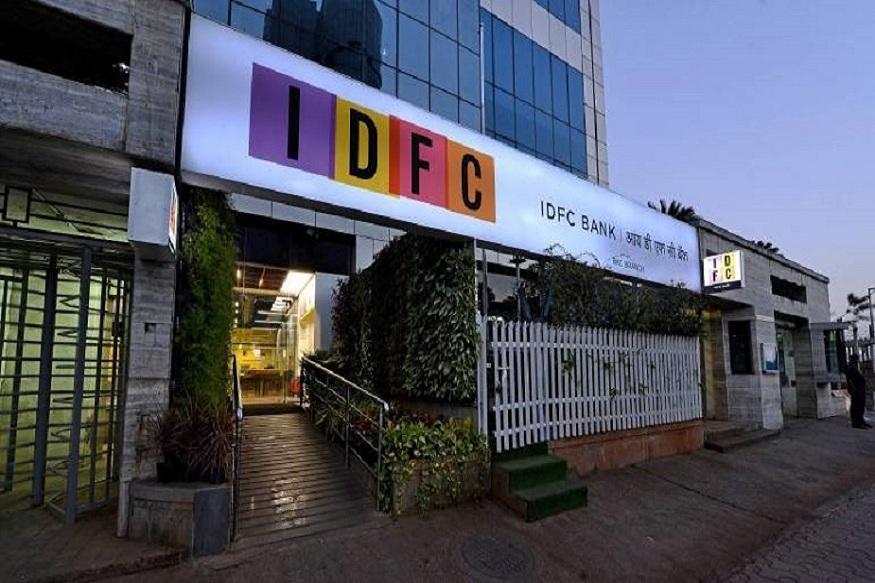 IDFC बँकेमध्ये मंथली इंट्रेस्ट पेआऊटच्या सहाय्याने व्याज उपलब्ध आहे. पण या बँकेमध्ये फक्त तिमाही व्याज उपलब्ध आहे. सोबतच स्टँडर्ट रेटपेक्षा काही प्रमाणात इथे मिळणारा व्याज कमी आहे. IDFC बँकेच्या संकेतस्थळाला भेट देऊन FD संदर्भात माहिती मिळवू शकता https://www.idfcbank.com/content/dam/idfc/image/other-pdfs/Interest%20Rate.pdf