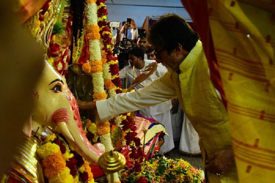 दिवाळीत ठग्ज आॅफ हिंदोस्तान रिलीज होतोय. बिग बी देवाचं दर्शन घेऊन सिनेमाच्या यशाची प्रार्थना करतायत.