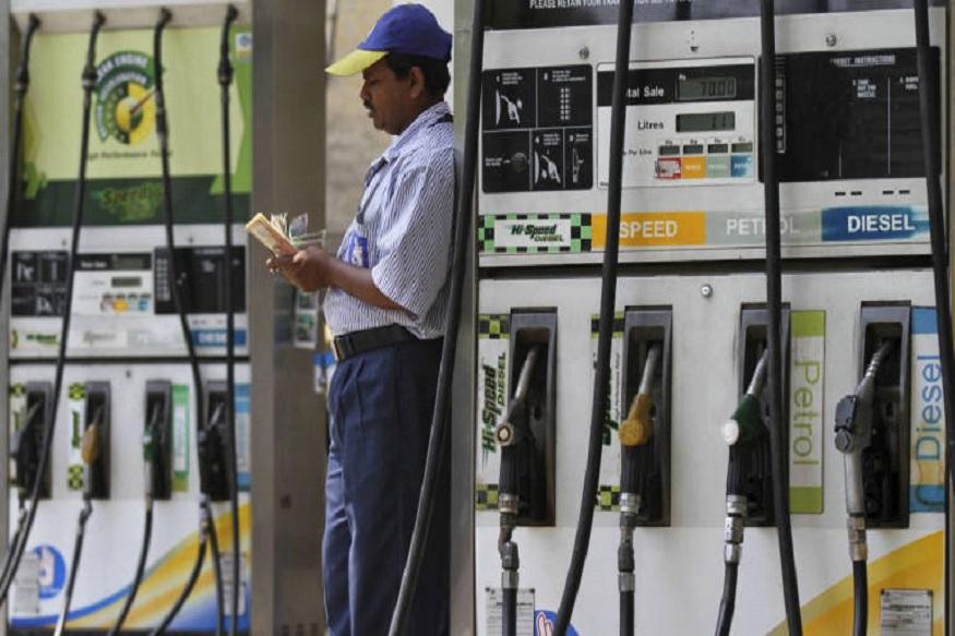 सावधान! पेट्रोल पंपावर डेबिट-क्रेडिट कार्डची माहिती होतेय चोरी