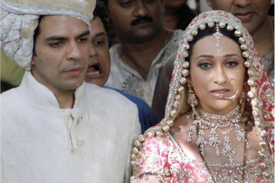 करिष्माला लग्नात जे दागिने मिळाले ते संजयच्या घरच्यांनी दिले होते.