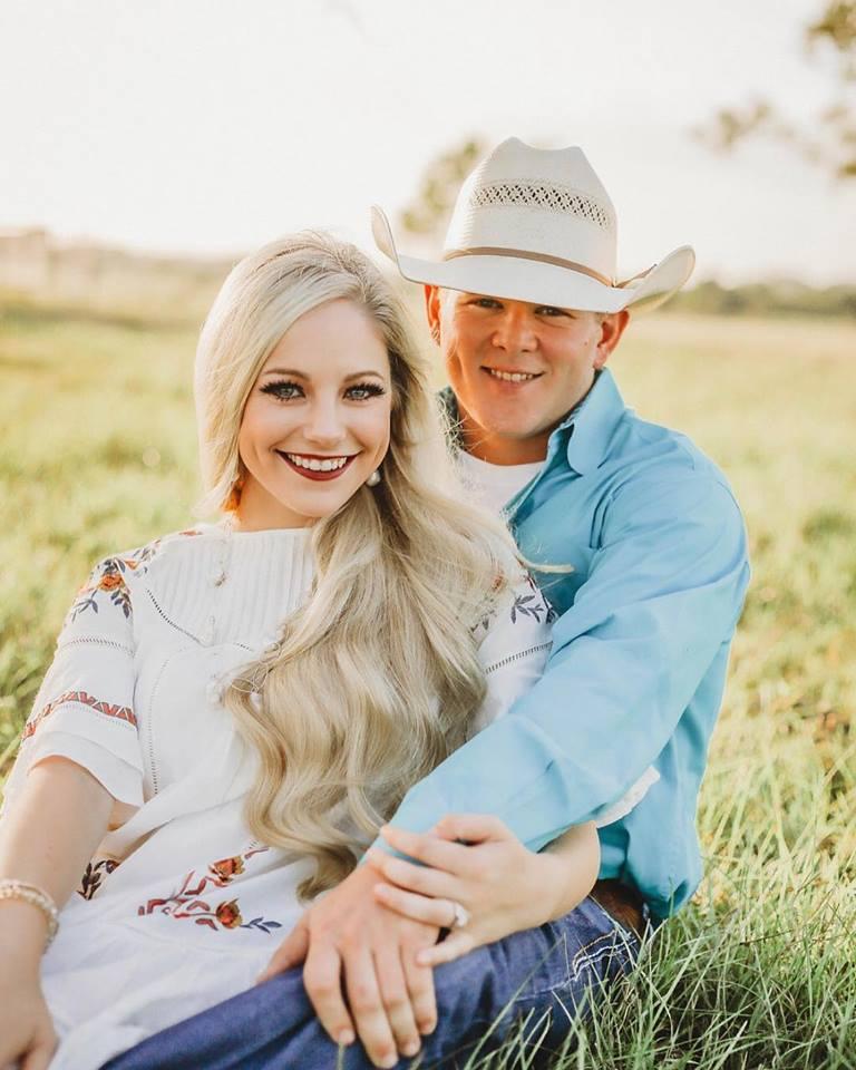 अमेरिकेतील टेक्सास या शहरात हेलिकॉप्टर कोसळल्याने मोठा अपघात झाला. याच अपघातात विल बायलर आणि त्याची पत्नी बेली बायलर यांचा मृत्यू झाला. (फोटो सौजन्य: फेसबुक)