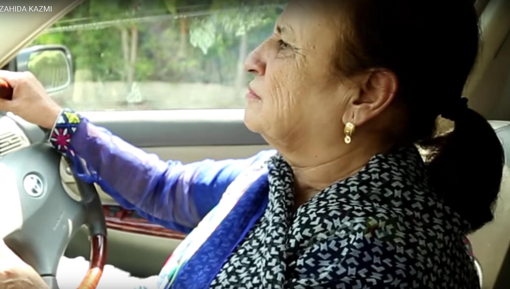 जाहिदा पाकिस्तानमध्ये पहिली महिला टॅक्सी चालक बनली. 1992 सालापासून त्यांनी हा व्यवसाय सुरू केला.