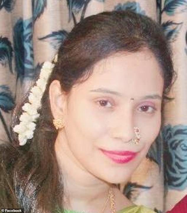 न्यूझीलंडमध्ये समुद्र किनारी मुलीचा मृतदेह मिळाला. धक्कादायक म्हणजे ही मृत मुलगी ठाण्यातील एका माजी नगसेवकाची मुलगी असल्याची माहिती आहे.