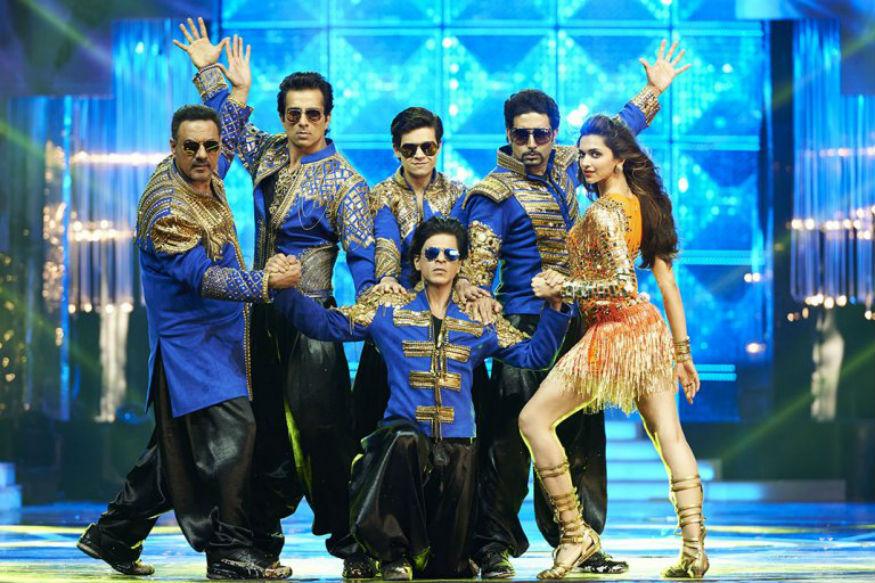 शाहरुखचे बरेच सिनेमे दिवाळीत रिलीज झाले आणि हिट झाले. 2014च्या दिवाळीत किंग खानचा हॅपी न्यू इयर रिलीज झाला आणि बाॅक्स आॅफिसवर हॅपी वातावरण झालं होतं. त्यात दीपिका पदुकोणही होती.