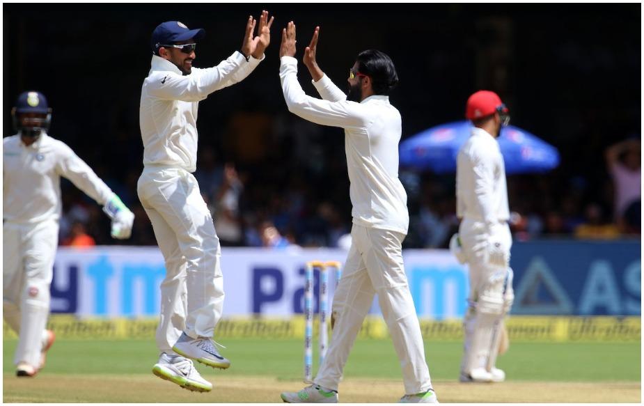 आयसीसीच्या टेस्ट रँकिंगनुसार, भारतीय संघ यावेळी ११६ अंकांनी पहिल्या स्थानावर आहे. तर १०८ अंकांनी इंग्लंडचा संघ दुसऱ्या स्थानावर आहे. दक्षिण आफ्रिका १०६ अंकांनी तिसऱ्या, न्युझीलँड १०२ अंकांनी चौथ्या आणि १०२ अंकांनी ऑस्ट्रेलिया संघ पाचव्या स्थानावर आहे.