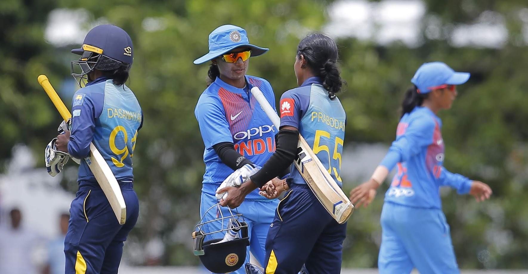 भारताची महिला क्रिकेटची माजी कर्णधार आणि स्टार खेळाडू मिताली राजने टीमचे प्रशिक्षक रमेश पोवारवर अपमानित केल्याचा आरोप केला. तसेच बीसीसीआयच्या प्रशासक समितीची सदस्य डायना इडल्जींवर भेदभाव केल्याचाही आरोप केला.