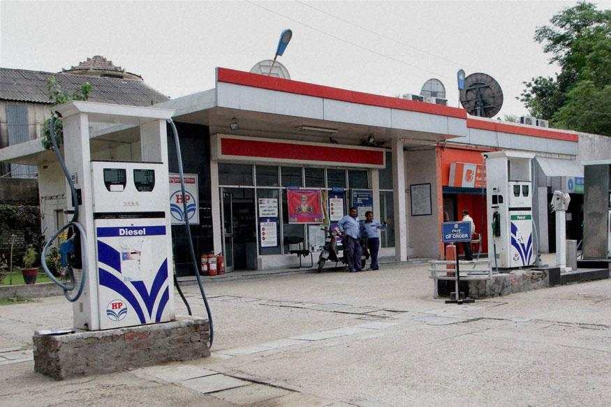 सरकारी तेल कंपनी हिंदुस्थान पेट्रोलियम कॉर्पोरेशन लिमिटेड (HPCL) ग्राहकांसाठी एक खास ऑफर घेऊन आली आहे.