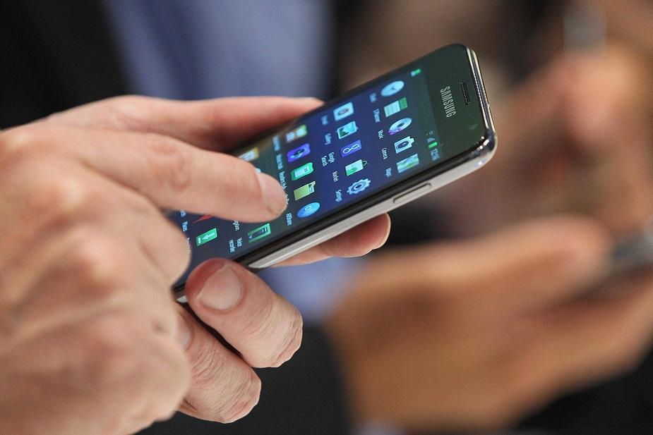 एसबीआयने त्यांचं मोबाईल वॉलेट बंद करून नवीन योनो अॅप लॉन्च केला आहे. या अॅपच्या मदतीने एसबीआय आता वॉलेटच्या सुविधा ग्राहकांना पुरवतं.