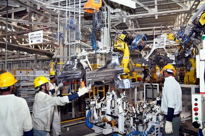 मॅकॅनिकल/ऑटोमोबाईल/ इलेक्ट्रॉनिक्स/प्रोडक्शन/इलेक्ट्रॉनिक्स & पॉवर इंजिनिअरिंगची पदवी असावी किंवा इंजिनिअरिंग असोसिएशनमधून ए किंवा बी ग्रेडने उत्तीर्ण असावं