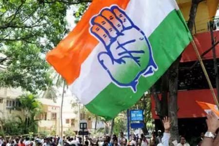 इंडिया टीवी-सी वोटरने बीजेपी ने 155-167, सपा-कांग्रेस 135 ते 147 आणि बीएसपीला81 ते 93 जागांचा अंदाज दिला होता, जो पूर्ण चुकला.