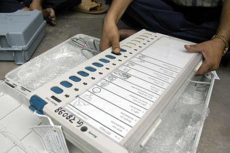 2015च्या दिल्ली विधानसभा निवडणुकांच्या वेळी टुडेज़ चाणक्यनं भाजपा-14-28, आप-42-54, कांग्रेस-0-2 असा अंदाज दिला होता.