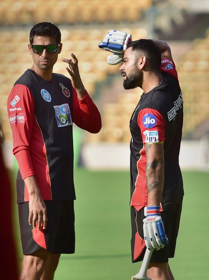 टीम इंडियाची ऑस्ट्रेलियाविरुद्धची पहिल्या कसोटीची सुरुवात अपेक्षेपेक्षा वेगळीच झाली. लंचपर्यंत टीम इंडियाचे ५६ धावावर ४ गडी बाद झाले होते. विराटला पहिल्या दिवशी धावांचा डोंगर उभा राहण्याची अपेक्षा होती. मात्र त्याच्या अपेक्षेप्रमाणेच काहीच घडलं नाही.