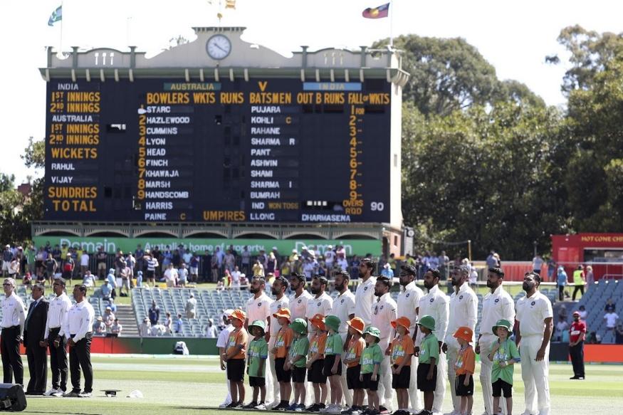 गुरुवारपासून सुरू झालेल्या कसोटी सामन्यात टीम इंडिया ऑस्ट्रेलियाविरुद्ध त्यांच्याच जमिनीवर दोन हात करताना दिसत आहे. चार कसोटी सामन्यांपैकी पहिला सामना एडिले ओवल येथे खेळण्यात येत आहे. भारताने ऑस्ट्रेलियाला त्यांच्याच मैदानात कसोटी मालिकेच कधीही हरवलं नाही. आज आम्ही तुम्हाला या सामन्याशी निगडीत पाच महत्त्वपूर्ण गोष्टी सांगणार आहोत.