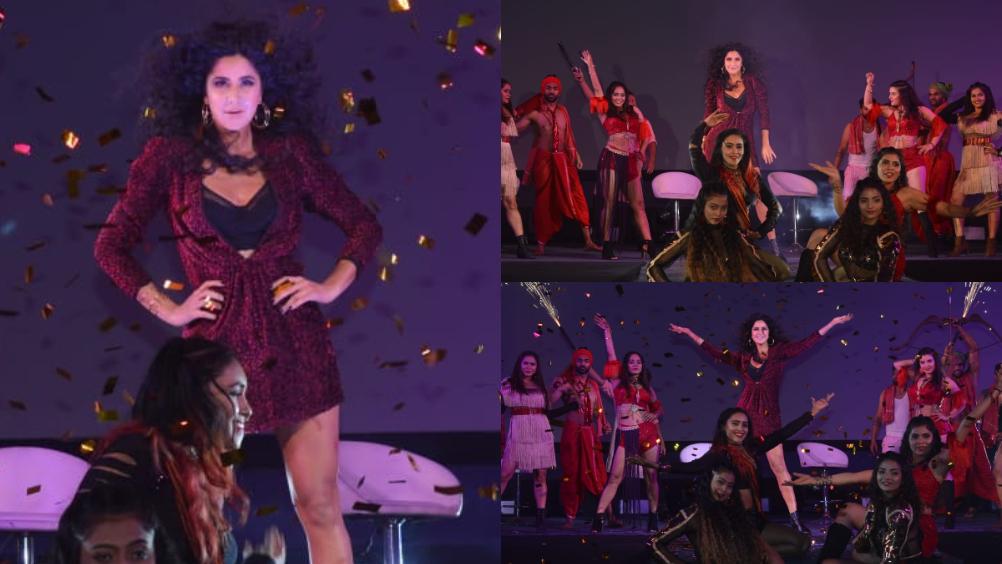 अभिनेत्री कतरिना कैफ झीरोच्या प्रमोशनमध्ये बिझी आहे. झीरोचं हुस्न परचम हे गाणं लाँच झालं. त्यावेळी कतरिनाचा दमदार परफाॅर्मन्स पाहायला मिळाला.