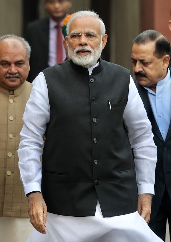 दिल्लीत सोमवारपासूनच संसदेचं हिवाळी अधिवेशन सुरू झालं. या पार्श्वभूमीवर अधिवेशनाला जाण्यापूर्वी नरेंद्र मोदी पहिल्यांदाच माध्यमांसमोर आले.