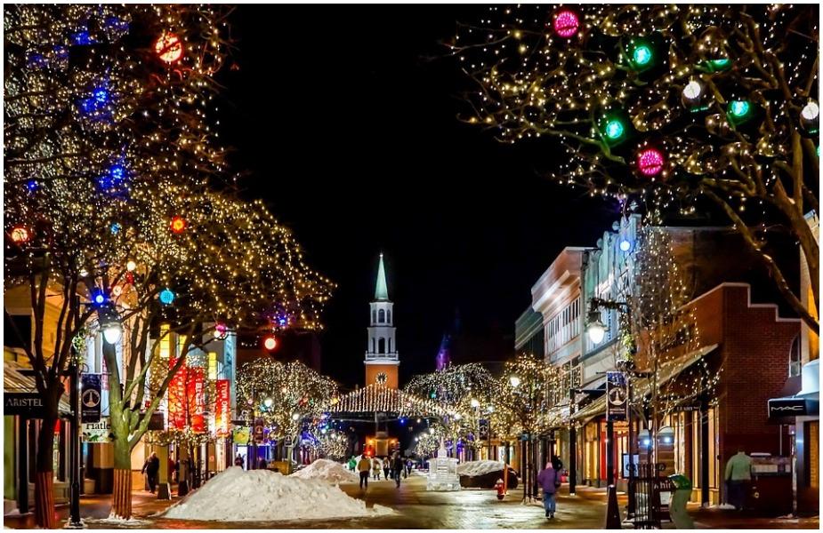 नाताळच्या दिवसांमध्ये अवैध्य गोष्टीही घडू शकतात. यामुळेच या काळात बंदी घालण्यात आली आहे.