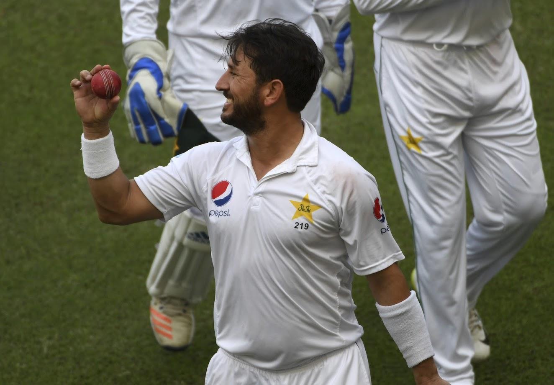 पाकिस्तानचा स्पिनर यासिर शाहने न्युझीलँडविरुद्धच्या शेवटच्या कसोटी सामन्यात ८२ वर्ष जुना रेकॉर्ड मोडला आहे.