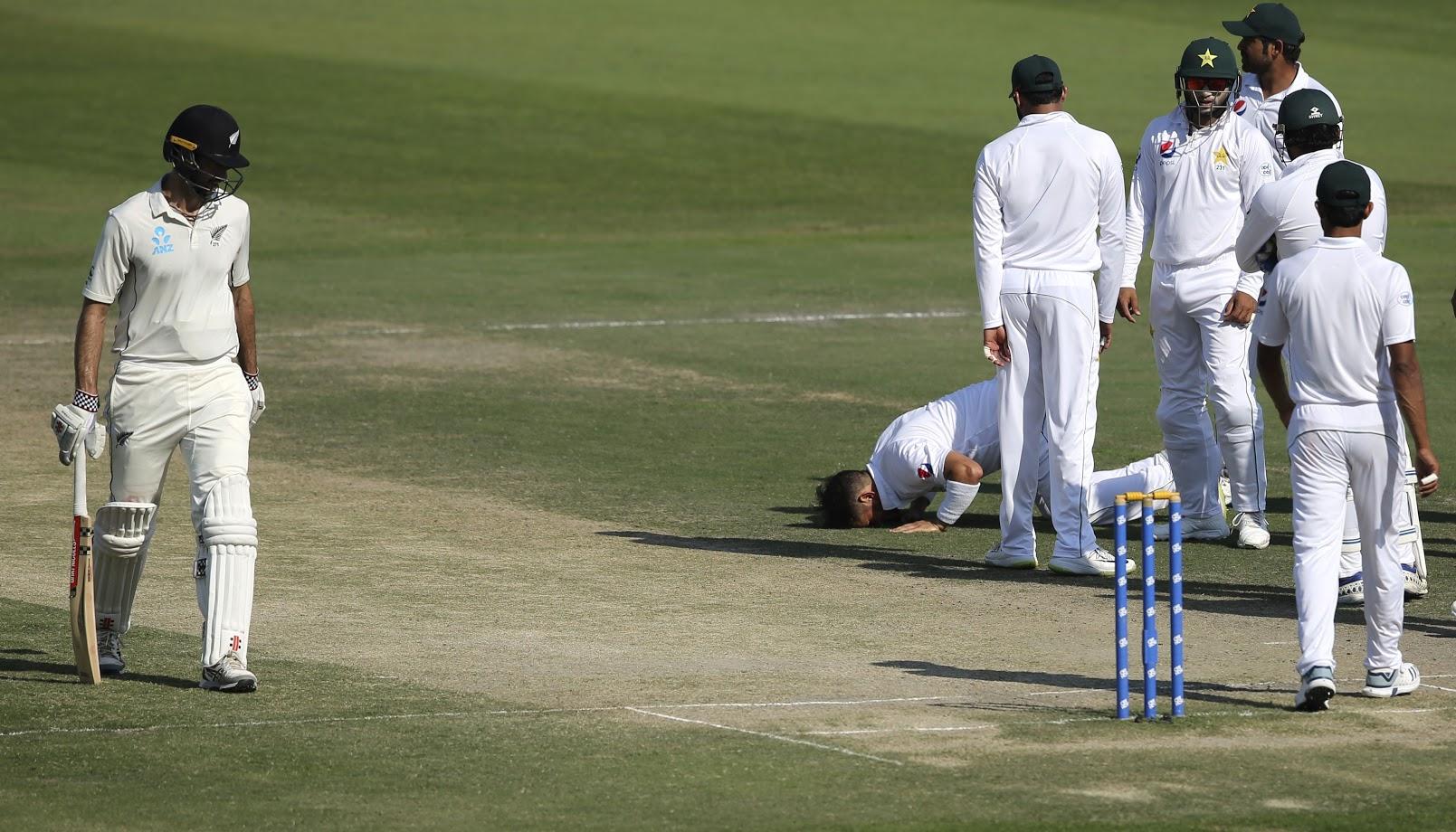 यासिरने फक्त ३३ कसोटी सामन्यात  २०० गडी बाद करण्याचा पराक्रम केला. कसोटी क्रिकेटमध्ये सर्वात जलद २०० विकेट घेण्याचा रेकॉर्ड आता यासिरच्या नावावर आहे.