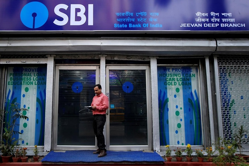 बँकिंग क्षेत्रात काम करण्यासाठी इच्छुक असणाऱ्यांसाठी एक खुशखबर आहे. कारण SBIने नोकरीच्या नवीन संधी उपलब्ध करून दिल्या आहेत.