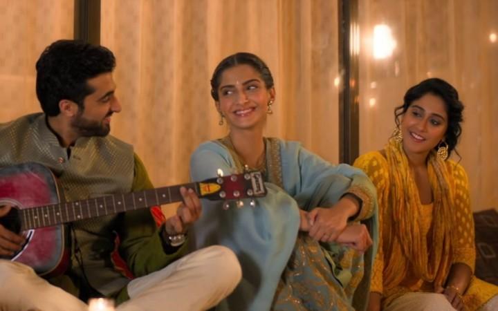 काही दिवसांपूर्वी शाहरुख खानच्या झीरो सिनेमाच्या प्रमोशनवेळी बउआ सिंहचं ट्विटर अकाऊंट बनवण्यात आलं होतं. आता आगामी एक लडकी को देखा तो ऐसा लगा या सिनेमासाठी अनिल कपूर यांनी एक प्रयोग केला आहे.