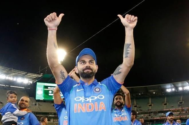 आंतरराष्ट्रीय वनडे सामन्यात सर्वात वेगवान 27 शतके करण्याचा विक्रम भारताचा कर्णधार विराट कोहलीच्या नावावर होता. त्याने 169 सामन्यात 27 शतके केली होती.