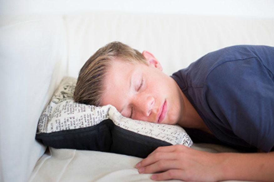 एका संशोधनानुसार तोंडावर घेऊन झोपल्याने ब्रेन डॅमेजचा धोकाही संभावतो. पांघरून पूर्ण ओढून झोपल्यावर शरीराला ऑक्सिजनचा पुरवठा कमी होतो.