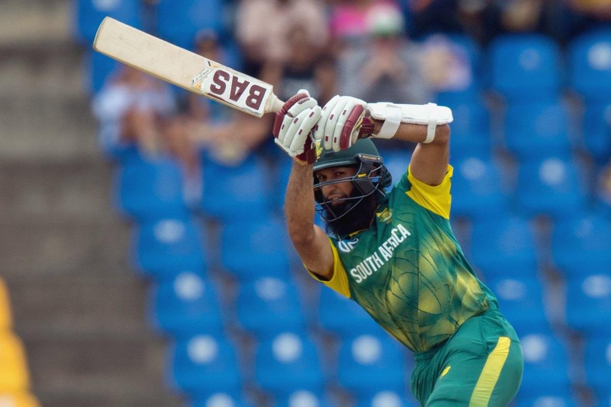 पाकिस्तानविरुद्धच्या सामन्यात हाशिम अमलाने 120 चेंडूत 108 धावा काढल्या. अमलाच्या शतकामुळे आफ्रिकेला 2 बाद 266 धावा केल्या.
