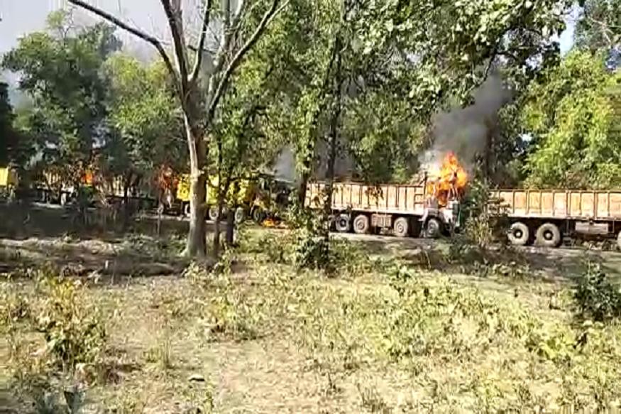 अपघात झालेल्या एटापल्ली गावातील लोक संतप्त झालेले पाहायला मिळाले.