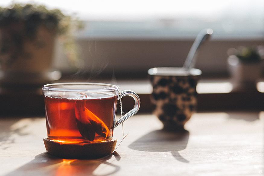 चहाप्रेमींनो, जरा हे पाहा... 'असा' चहा प्यायलात तर होऊ शकतो कॅन्सर