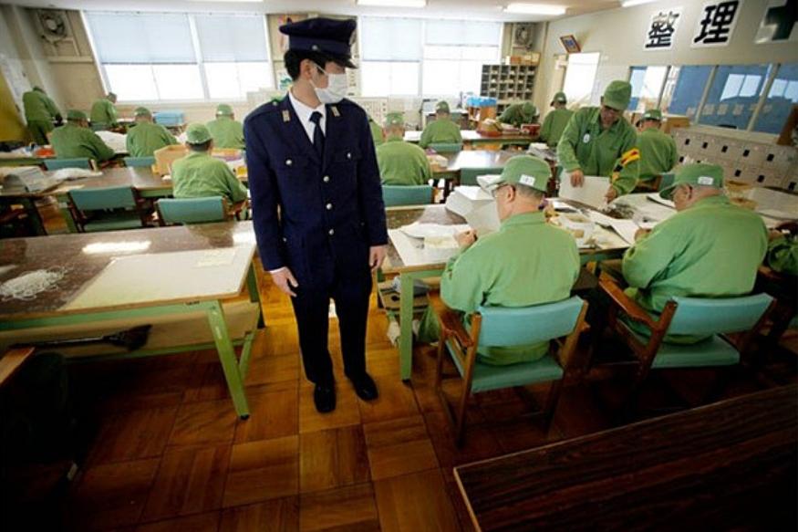 जपानमध्ये तीन कैद्यांमध्ये दोघांना आजार असतो. बऱ्याचदा तो मानसिकही असतो.